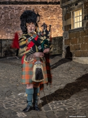 Piper at the gates of… …Stirling